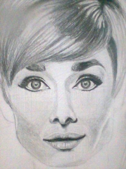 Audrey Hepburn by SuzyBlooms